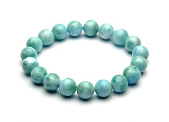 宝石新宠——针钠钙石
