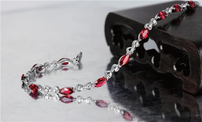 红蓝宝石美在哪里?怎么欣赏?